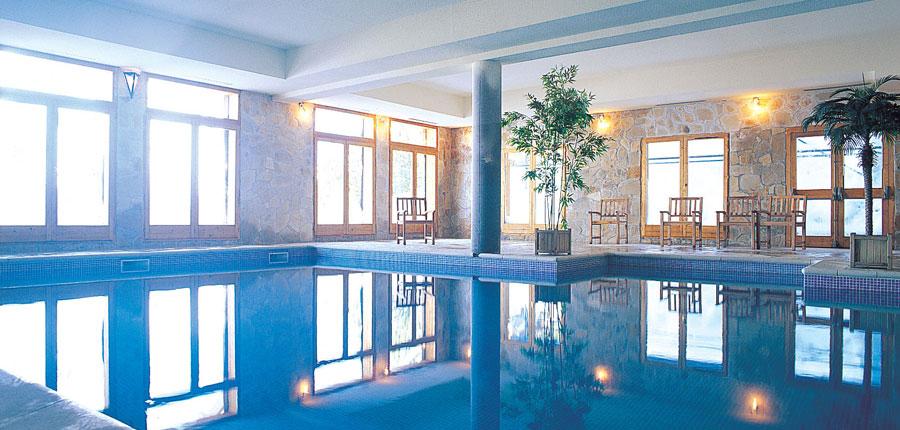 France_Les-Arcs_chalet_maximillian_indoor_pool.jpg